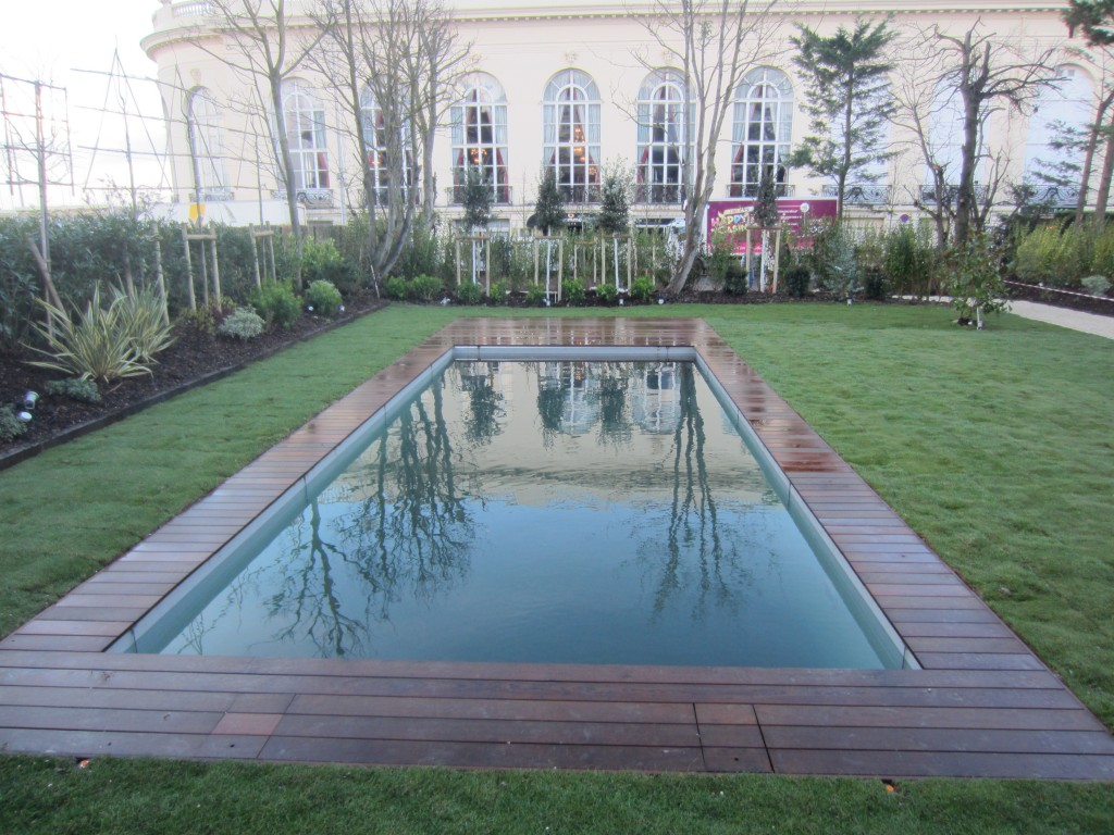 Histoire savoir faire fond mobile s curit piscine for Piscine fond mobile forum